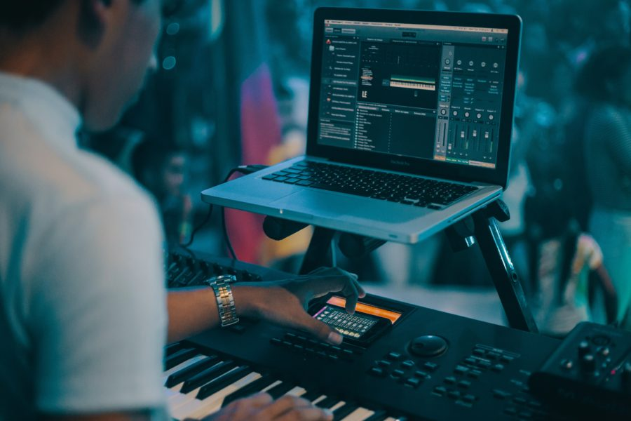 How To Play A MIDI Keyboard? – The Complete Guide!